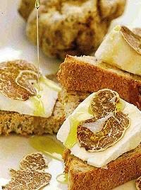 crostini con tartufo e miele