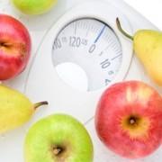 bilancia con frutta