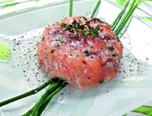 Tartare di salmone al profumo di erba cipollina